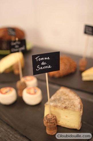 Présenter les fromages (ou n'importe quoi d'autre) avec des bouchons