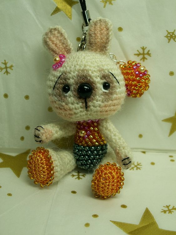 https://flic.kr/p/9zzDyh | little crocheted bunny with beads | welcome on my dawanda shop fr.dawanda.com/shop/laurabdesin