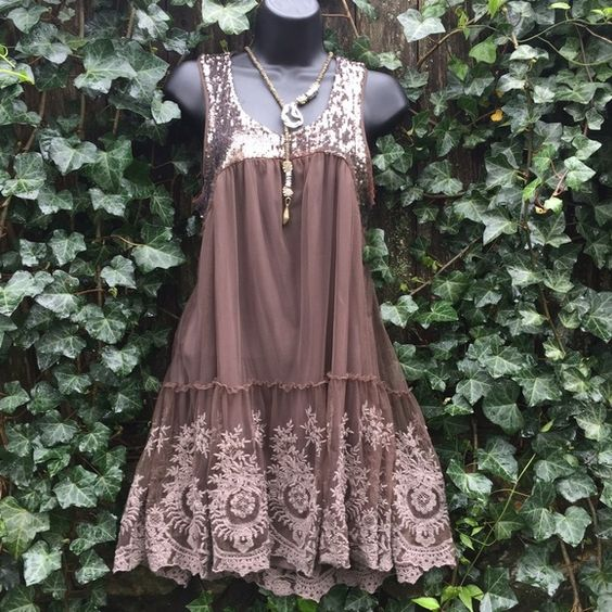 Free People Sequined and Lace Dress Size M Excellent Condition. Worn Once. Small high/low. Free People Dresses High Low