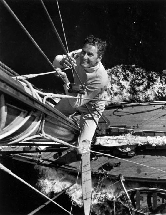 Errol Flynn on a sailing boat.  http://cinegratiacinema.blogspot.com.es/2015/10/cruise-of-zaca-errol-flynn-tras-los.html