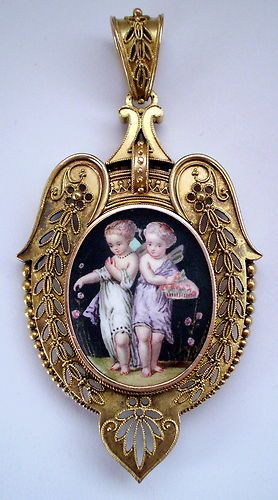 Gorgeous gold and enamel putti Etruscan revival Victorian locket
