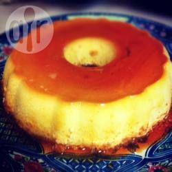 Pudim de coco com baunilha @ allrecipes.com.br - Quem é que não gosta de coco? Cuidado quando fizer essa receita de pudim porque os elogios não vão parar.