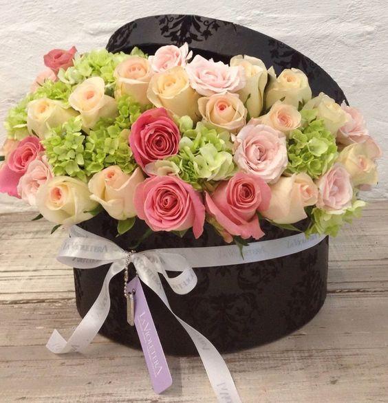 Box flower arrangement Arreglo de Flores en Cajas