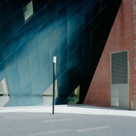 Contemporary Jewish Museum, SF. Eli Woo.