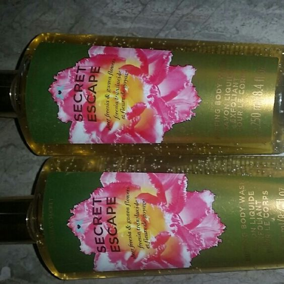 VS secret escape body wash (2) Selling both together. Never used! VS doesn't make these anymore Victoria's Secret Other