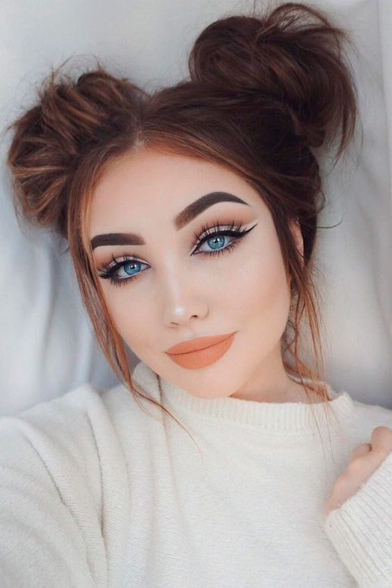 Lovely Top Knot Hairstyles to Try Right Now ★ See more: http://lovehairstyles.com/lovely-top-knot-hairstyles/