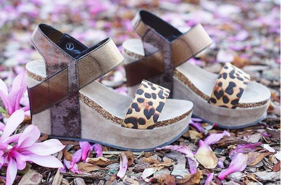 Feeling fabulous in cheetah Come shop these wedges today in Commerce today and tomorrow in Clarkesville.  #cheetah #wedges #cheetahwedges #fabulous #boutique #onlineboutique #georgiaboutique #shopPD