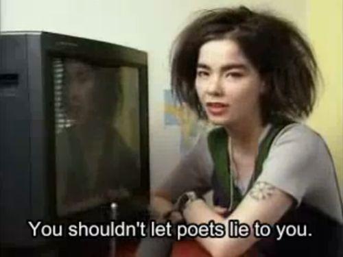 ne laissez pas les poètes mentent à vous.