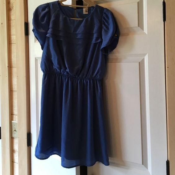 Never worn powder blue Francesca's dress Never worn powder blue Francesca's dress with gold buttons, fits size 4/6 Francesca's Collections Dresses Mini