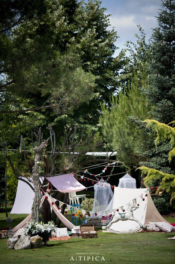 Zona de juegos para niños en la boda · Boda inspirada en un Circo diseño de A-Tipica Wedding #weddingdecoration #decoracionbodas #tendenciasdebodas