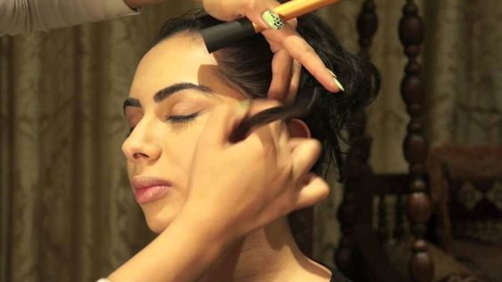 Make-up - How to contour and highlight your face