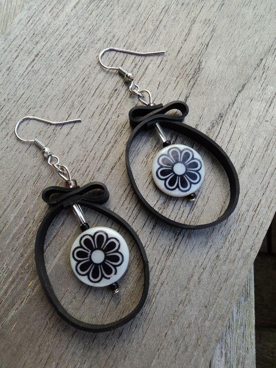 """Rustines & Cie, bijoux en chambre à air - """"Rien ne se perd, rien ne se crée, tout se transforme"""", découvrez mes créations en chambre à air recyclée."""