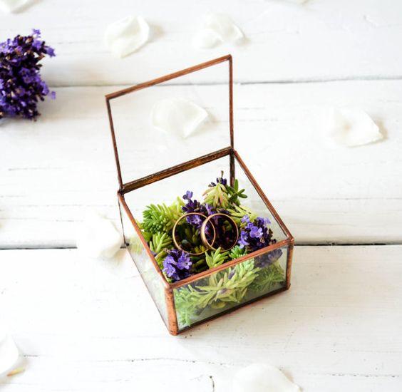 NOUVEAU Petit mariage porte bague / cuivre par NojaGlassDesign
