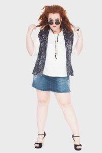 Street style: leopard vest + jeans skirt Flaminga Plus Size Store Model + Styling : Babu Carreira @São Paulo, Brazil