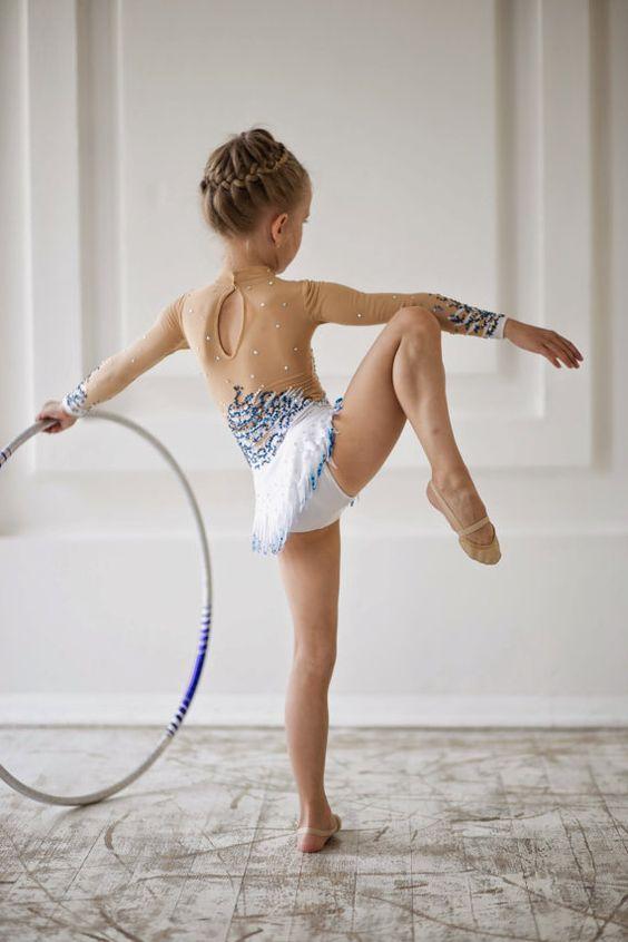 Justaucorps de gymnastique rythmique concepteur par artmaisternia