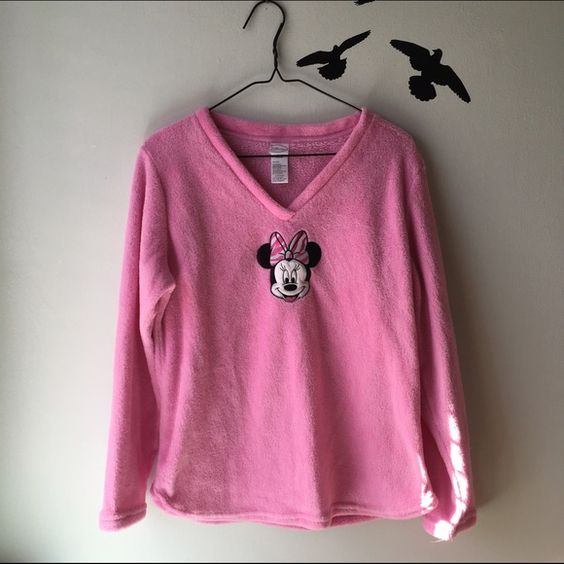 🔮Minnie Mouse Pink Fleece Sweater Color: Pink Size: Large Brand: Disney Material: 100% Polyester Look adorable working out! Disney Sweaters V-Necks