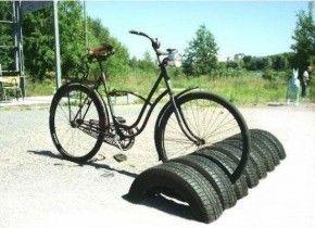 ietsenrek maken van autobanden.