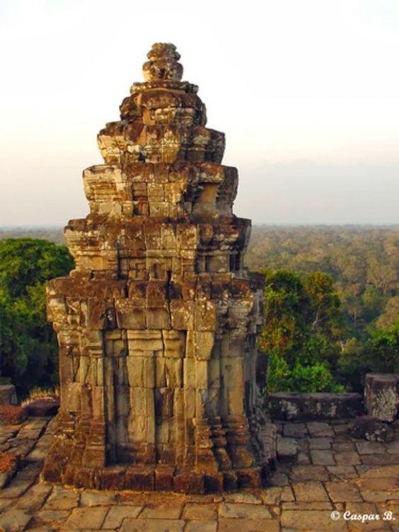Phnom Bakheng - ngôi đền linh thiêng của Campuchia