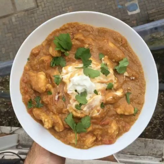 Day 1/90  Meal 2: Low Carb Cashew Curry  One of my favourite meals on the plan It tastes amazing. Try it out and let me know what you think. I'm training this evening so my post workout meal will be a carbohydrate refuel meal! Pop back later to see the video meal for #leanin15