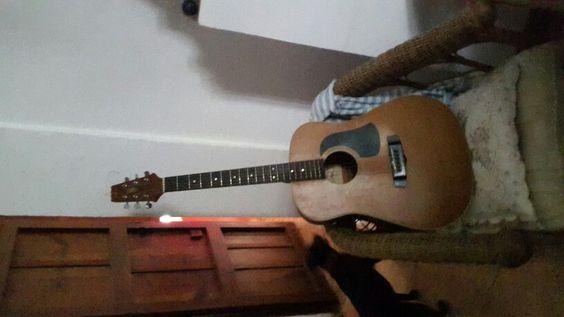 Documento and guitar