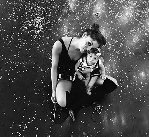 """Oun! Não resistimos ao #regram desta foto superfofa de @sophiecharlotte1 em clima de Carnaval com o filho Otto que completa um ano este mês. """"Carnamor"""" escreveu a mamãe que aparece fantasiada de gatinha na legenda do clique. #carnaval #sophiecharlotte  via MARIE CLAIRE BRASIL MAGAZINE OFFICIAL INSTAGRAM - Celebrity  Fashion  Haute Couture  Advertising  Culture  Beauty  Editorial Photography  Magazine Covers  Supermodels  Runway Models"""