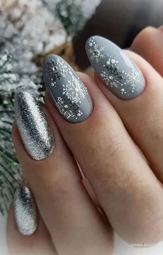 27 Beautiful Winter Nails Xmas Nails Christmas Nails Winter Nails