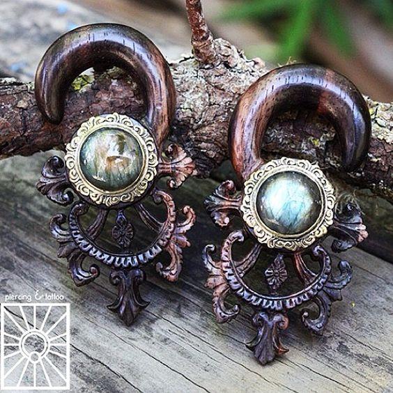 @coldsteelpiercing #sanfrancisco #bayarea #ebonyplugs #labradorite #woodplugs #ebony #legitbodyjewelry #noglue #coldsteelpiercing #plugsporn #plugs #gauges #pluglife #stretchedears #stretchedlobes #girlswithstretchedears #girlswithpiercings #jimmybuddhadesigns @jimmybuddha @plugsporn