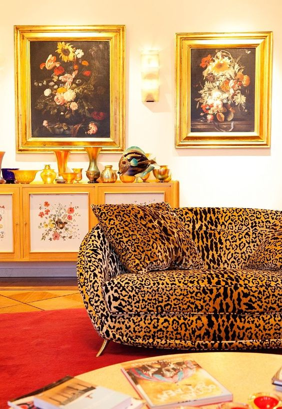 cheetah sofa wolfgang joop love your leopard velvet. Black Bedroom Furniture Sets. Home Design Ideas