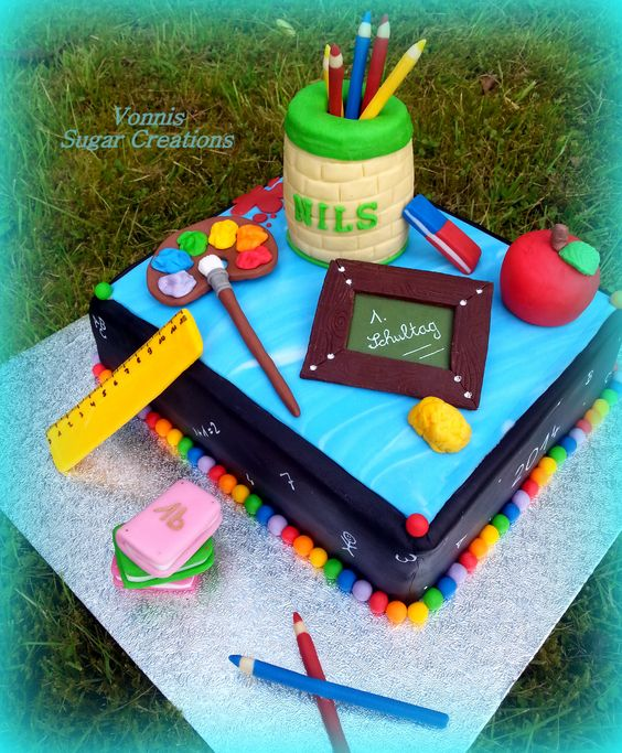 fondant cake for the first day of school with modeling. Black Bedroom Furniture Sets. Home Design Ideas