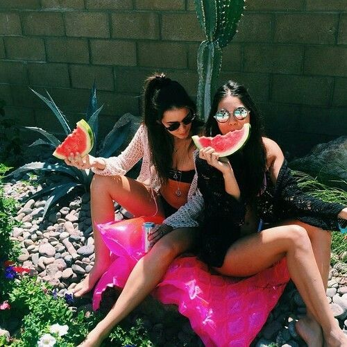 ✿ it's sunny day! So.... Is watermelon time