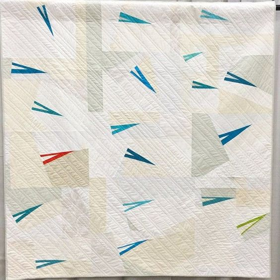 "Delightfully minimalist ""Shoot That Poison Arrow"" quilt by Hollie Lobosky. (You may have seen it at QuiltCon 2015!)"