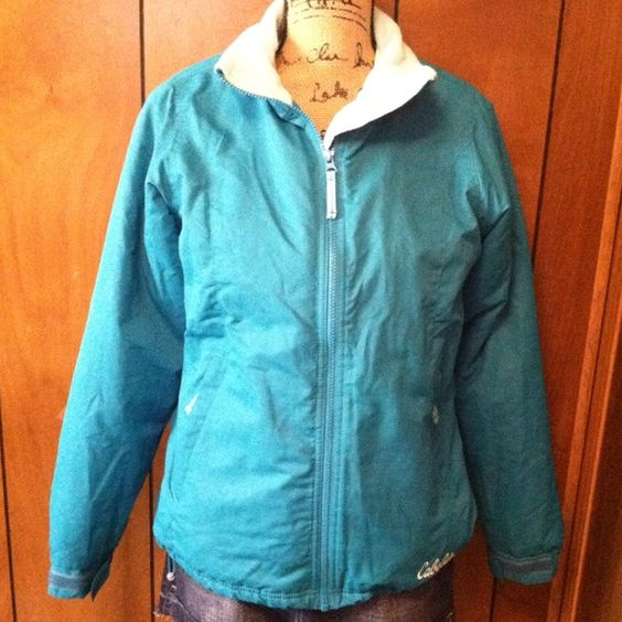 "Very warm cabela's Jacket! Very warm cabela's jacket! Size small. Worn once. Shoulder to bottom 25"" long. Arms 25"" long. Almost new.make me an offer. cabela's Jackets & Coats"