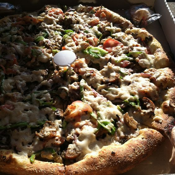 Vegan Pizza at Tomato Joe's in Valencia, California