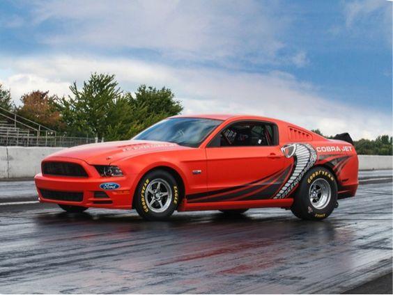 "Subastarán ""Mustang Cobra Jet 2014"" a favor de la Sociedad de Esclerosis Múltiple ... #AutoBildMexico http://autobild.com.mx/exclusivas/mustangcobrajet-2014/"
