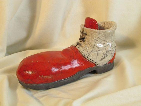 suclpture raku Chaussure de clown céramique grès Danièle Meyer