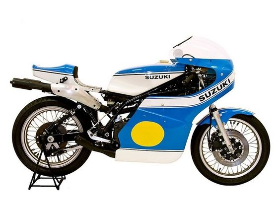 the legendary suzuki rg500 winner of the motorsport retro top 10 500cc grand prix production. Black Bedroom Furniture Sets. Home Design Ideas