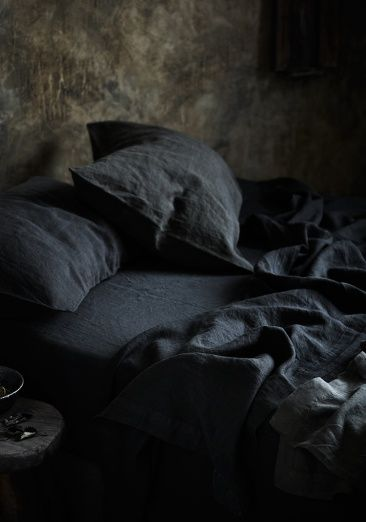 Beautiful bed linen & pictures for Bedouin Societe. Photo by Sharin Cairns, styling Glen Proebstel  www.annagillar.se
