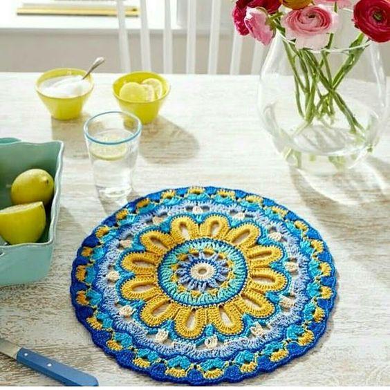 Tecendo Artes em Crochet: Linda Toalhinha ou Sousplat