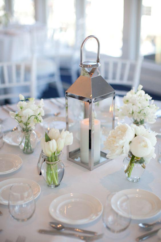 37 Centros Mesa Faroles Xv Anos 34 Ideas Para Fiestas De Quinceanera Decorala Tu Mism White Flower Centerpieces Wedding Centerpieces Lantern Centerpieces