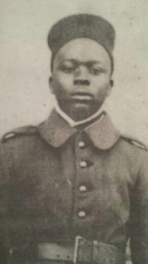 Karom liady née en 1903 recruté à ouidah matricule n 10.675 armée de mobilisation 1926. .