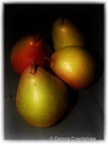 4 pears still-life
