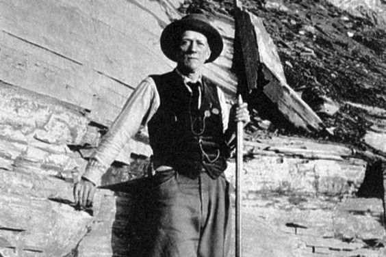 #OTD 1909 - Charles Doolittle Walcott finds the Burgess Shale fossils in the Rocky Mountains of Canada. Over the next 15 years he amasses more than 65,000 fossil specimens and spends the rest of his life describing and organising their taxonomies. It was not until a 1962 study that showed the significance of the find, which determined that many of the fossils would not fit into modern groups of organisms. #HistSci  © New York Public Library/Getty