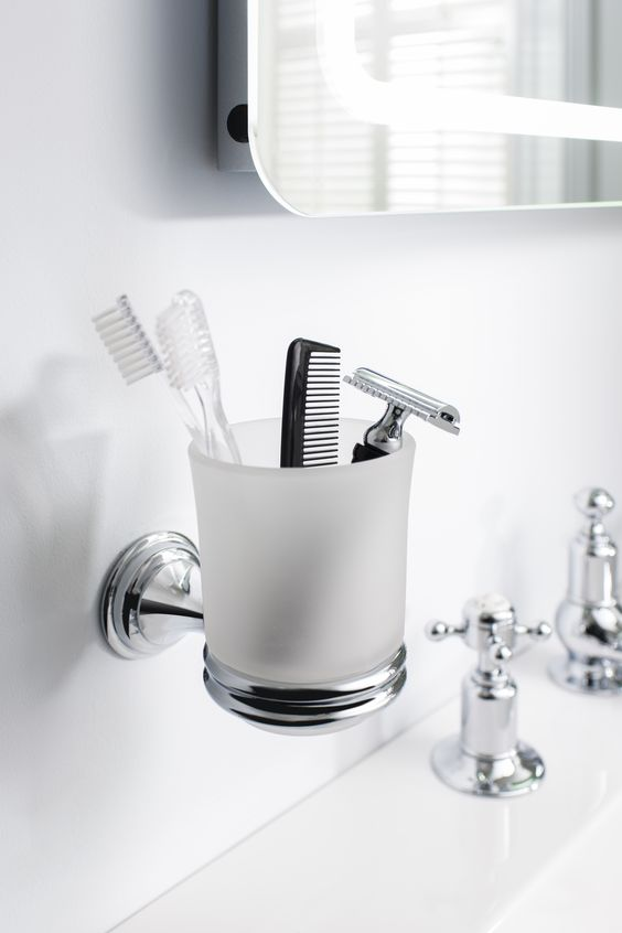 Add a touch of glamour to bathrooms - Belgravia tumbler holder from Crosswater Bathrooms UK. http://www.crosswater.co.uk/product/accessories-finishing-touches-browse-by-range-belgravia/belgravia-tumbler-holder-bl003c/