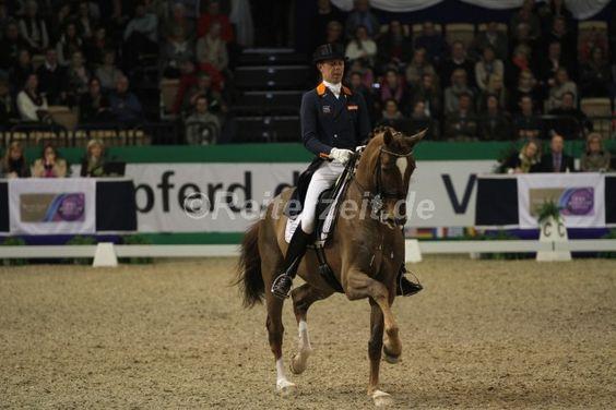 #HansPeterMinderhoud gewinnt mit Glock´s Flirt den #FEIWorldCup in Göteborg. http://reiterzeit.de/goeteborg-horse-show/#11 #Dressur #Dressage #ReemAcra #FEIWorldCupFinals