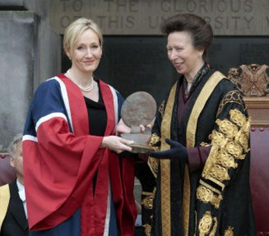 The Princess Royal, Chancellor, the University of Edinburgh, presents a Benefactors Award to author JK Rowling, Edinburgh, 26 September 2011. The award is in recognition of a £10 million donation made by JK Rowling to the University in 2010 to establish a new Multiple Sclerosis (MS) research clinic.