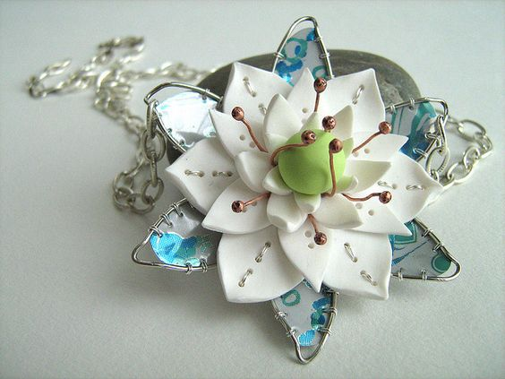 Necklace | Céline Charuau.  Recycled soda cans, Polymer Clay and copper wire.  Repin via Monika Ettlin.