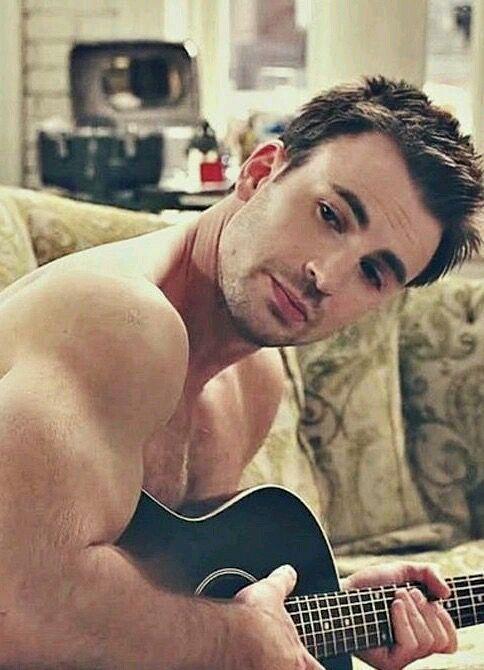 全裸のクリス・エヴァンス