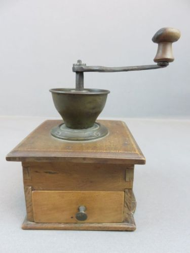 Alte Holz Kaffeemühle um 1900 in Antiquitäten & Kunst, Haushalt, Kaffeemühlen   eBay