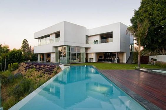 Large Garden With Lap Pool Idea Feat Contemporary Deck And Modern Sectional Architecture Home Design With Flat Roof