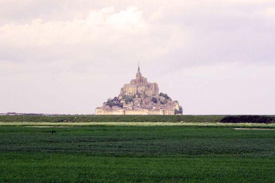 De Mont Saint Michel is één van de grote landmarks van Frankrijk en trekt veel toeristen. Misschien wel te veel maar je kan de drukte een beetje ontlopen.